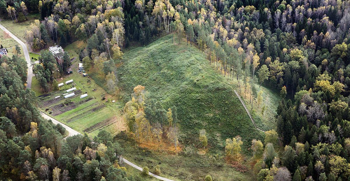 Stirnių piliakalnis